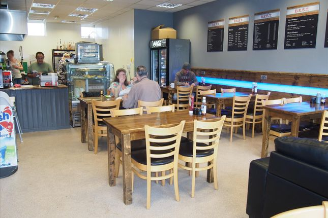 Thumbnail Restaurant/cafe for sale in Cafe & Sandwich Bars LS13, West Yorkshire