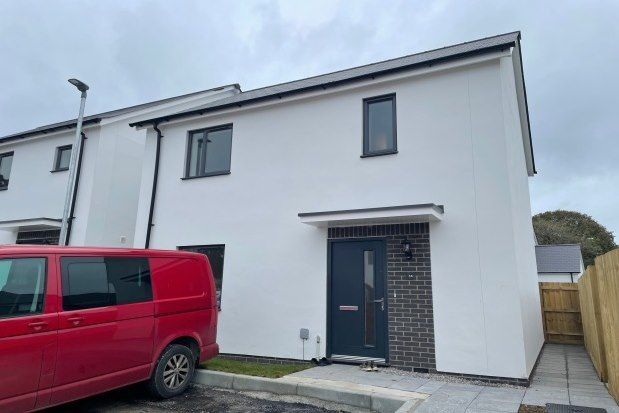 3 bed property to rent in Kober Way, St. Austell PL25