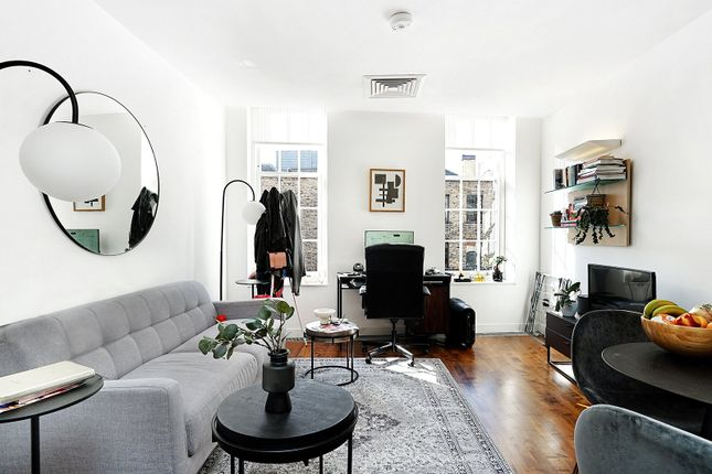 1 bed property to rent in Brushfield Street, Spitalfields E1