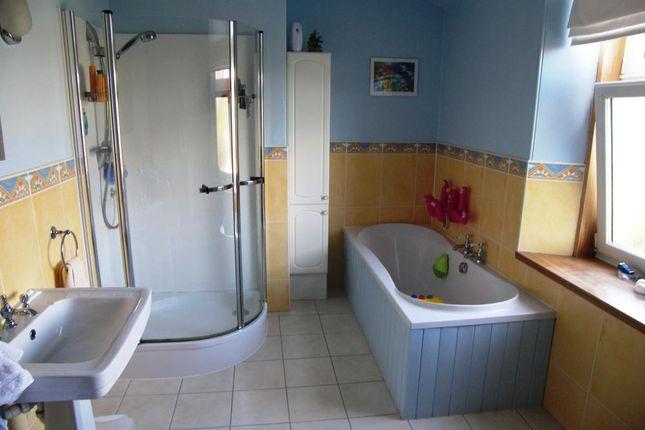 Bathroom of Brighton Place, Aberdeen AB10