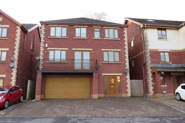 Thumbnail Detached house for sale in Kingswood Close, Hengoed