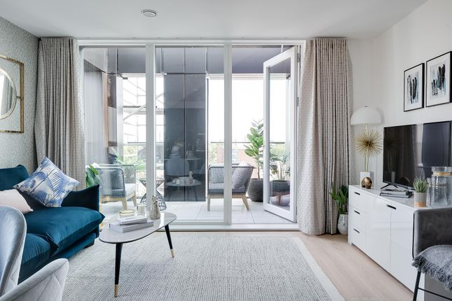 2 bed flat for sale in Heckfield House, Heckfield Place, Fulham SW6