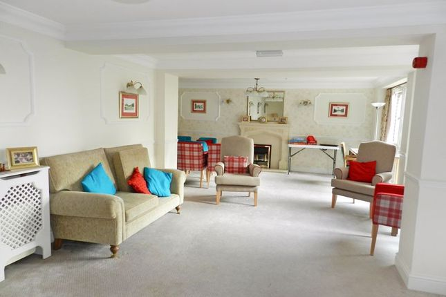 Residents Lounge of Popes Court, Southampton SO40