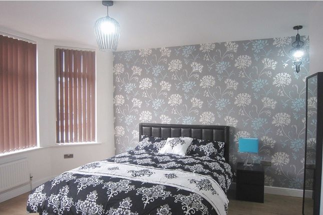 Thumbnail Shared accommodation to rent in Burton, West Didsbury, Bills Included, Manchester