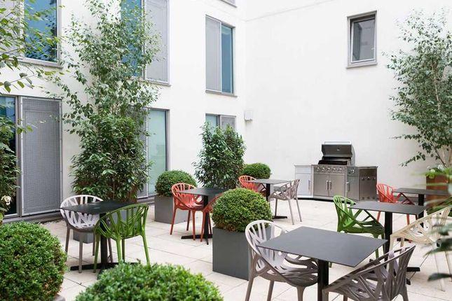 Room to rent in Alderson Street, London