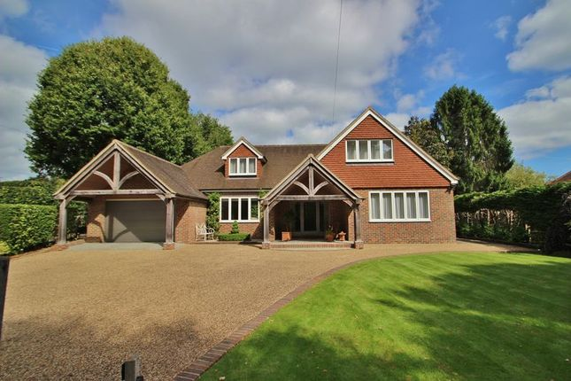 Thumbnail Detached house for sale in The Warren, Mayfield