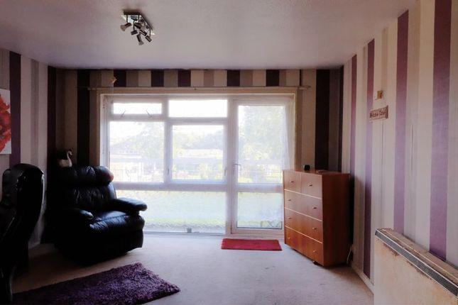 Lounge of Bircham Road, Taunton TA2