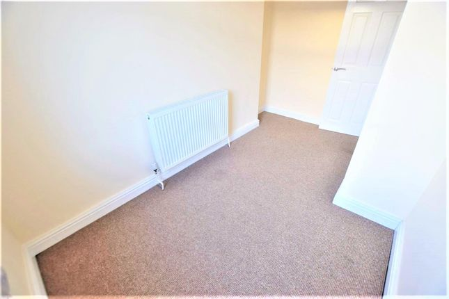 Thumbnail Property to rent in Russell Street, Heywood