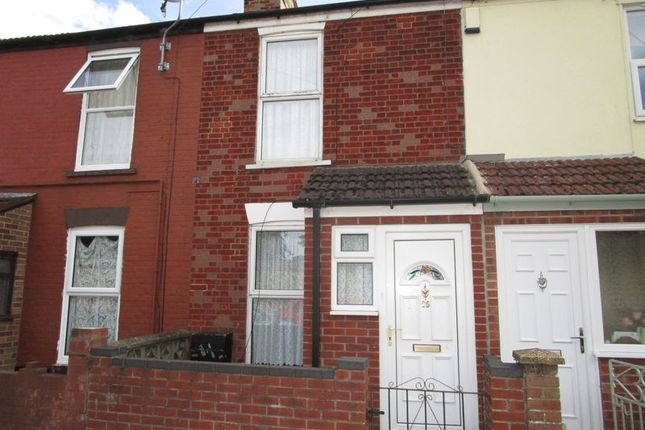 Thumbnail Terraced house to rent in Kitchener Road, Great Yarmouth