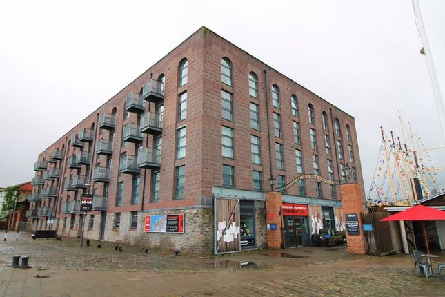 Thumbnail Flat to rent in Gas Ferry Road, Hotwells, Bristol