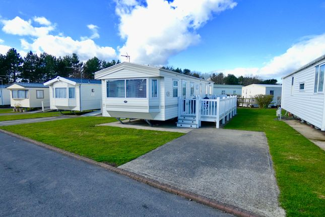 Thumbnail 2 bed mobile/park home for sale in Hornsea Road, Skipsea, Driffield