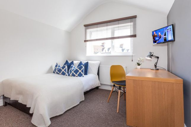Thumbnail Shared accommodation to rent in Glynrhondda Street, Cardiff