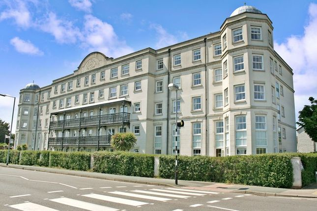 1 bed flat for sale in Marine Parade West, Clacton-On-Sea CO15