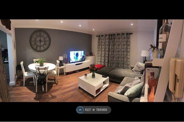 Living Room of John Austin Close, Kingston Upon Thames KT2