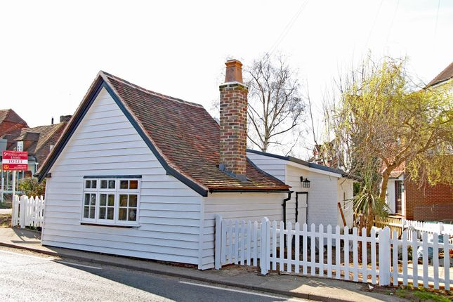 Thumbnail Cottage to rent in The Heath, Horsmonden, Tonbridge