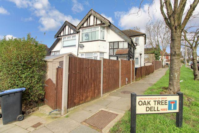 Maisonette for sale in Oak Tree Dell, Kingsbury, London