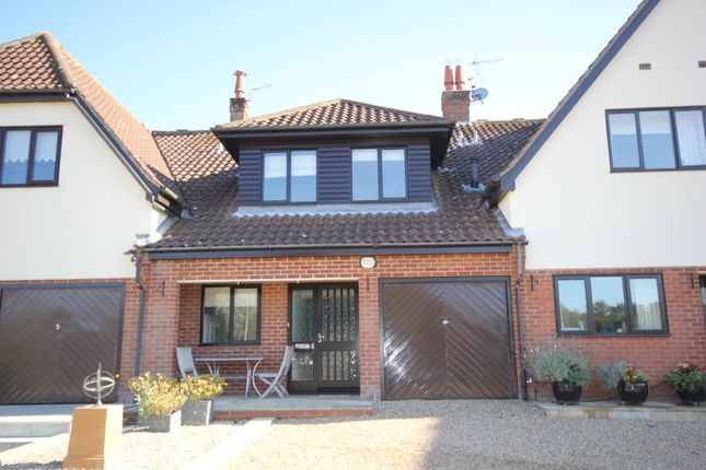 Thumbnail Terraced house to rent in Horning Reach, Horning, Norwich