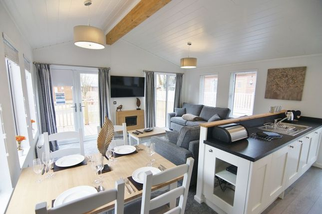Thumbnail Mobile/park home for sale in Fallbarrow Holiday Park, Rayrigg Road, Windermere