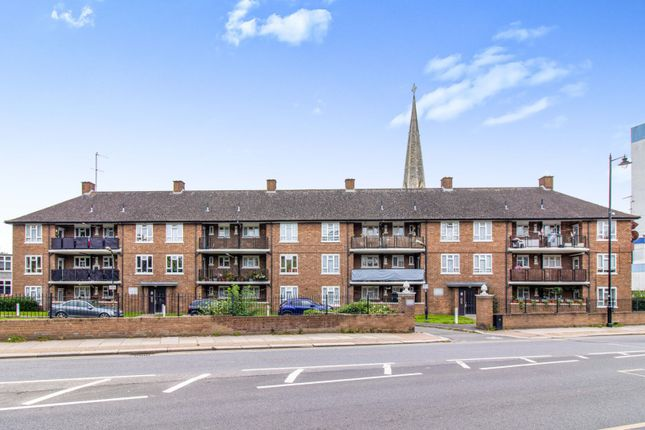 4 bed flat for sale in The Mall, Brentford TW8