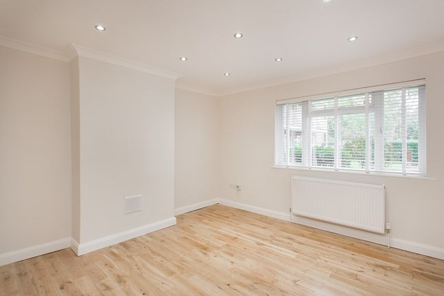 Thumbnail Flat for sale in Rosemont Road, London