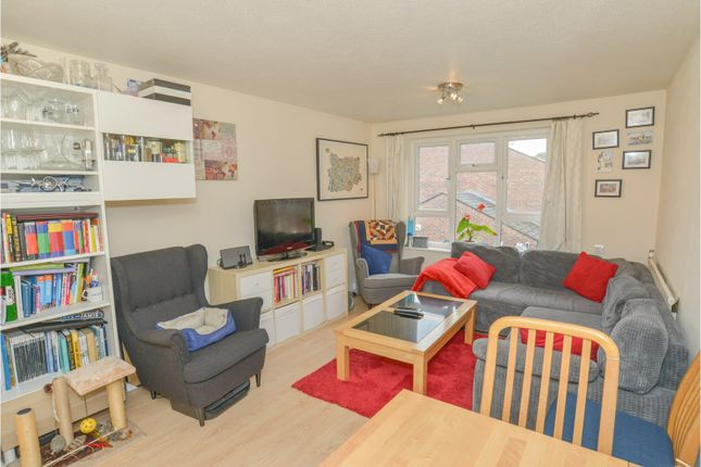 1 bed flat for sale in Hunter Walk, Borehamwood