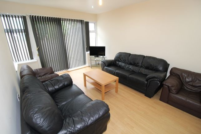 Thumbnail Shared accommodation to rent in Watling Street Road, Preston