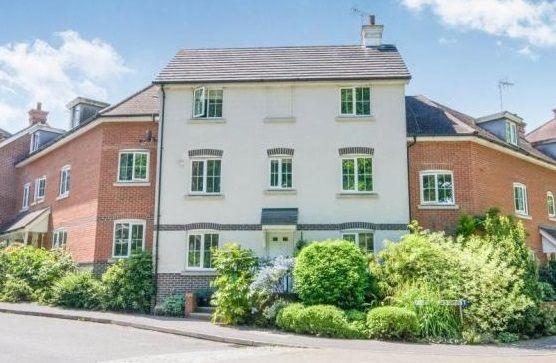 Thumbnail Town house for sale in Elvetham Rise, Chineham, Basingstoke