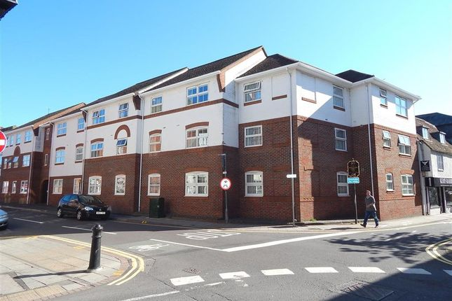 Thumbnail Flat to rent in Three Cuppes Lane, Salisbury, Wiltshire