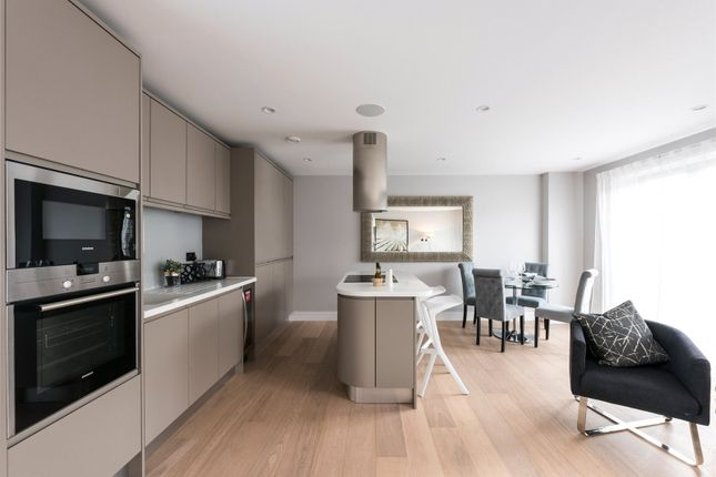 Thumbnail Flat for sale in Madison Apartments, Wyfold Road, London