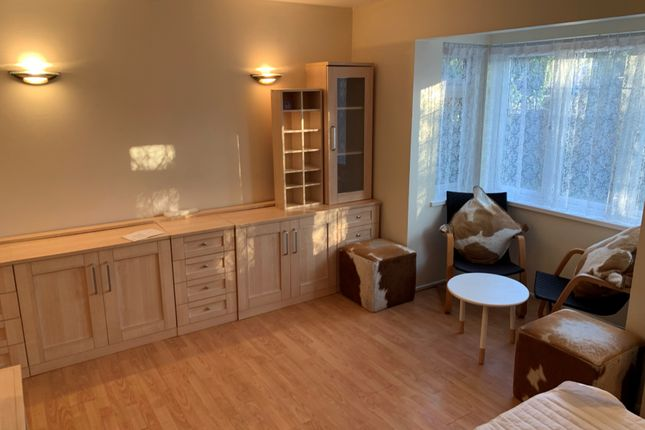 Thumbnail Flat to rent in Pikestone Close, Yeading, Hayes