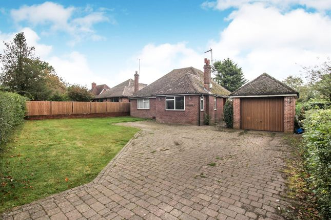 Thumbnail Bungalow for sale in Valley Road, Studham, Dunstable