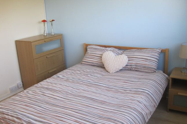 Thumbnail Room to rent in Campion Close, Room 2, Coventry