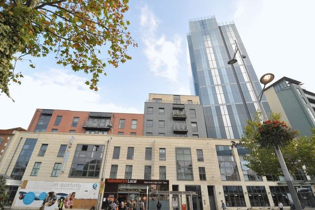 Thumbnail Flat to rent in Central Quay North, Broad Quay, Bristol