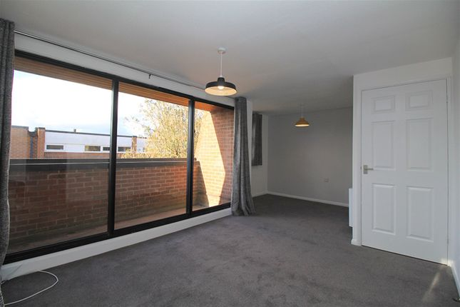 Studio to rent in Knightthorpe Court, Loughborough LE11
