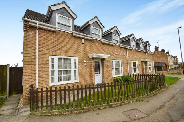 4 bed semi-detached house for sale in Huntingdon Road, Chatteris