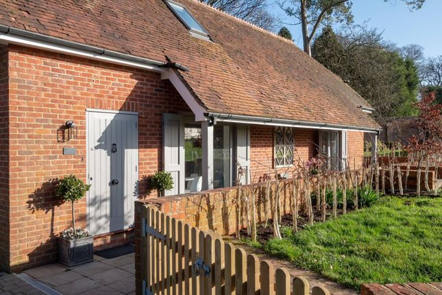 2 bed cottage to rent in Knowle Lane, Cranleigh GU6