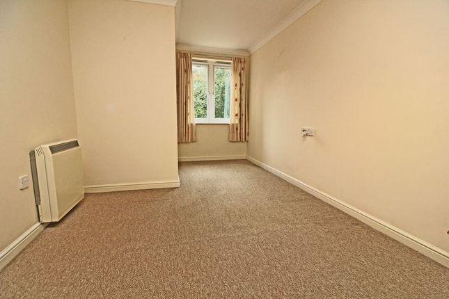 Bedroom of Lalgates Court, Northampton NN5