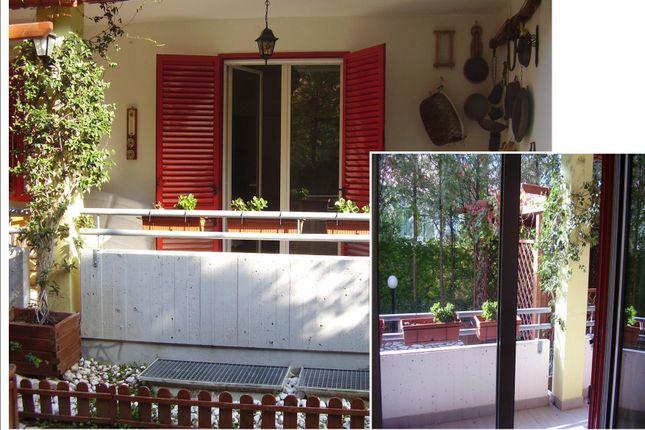 Thumbnail Apartment for sale in Via Dei Gerani, Termoli, Campobasso, Molise, Italy