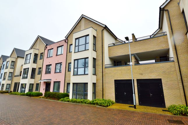 Thumbnail Flat for sale in Venture Chase, Colchester