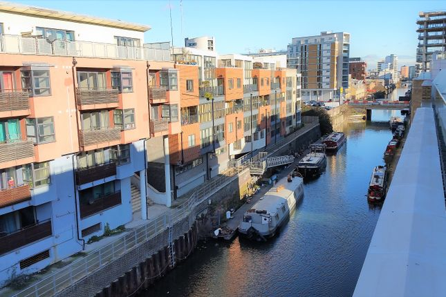 Flat for sale in Elite House / Artisan Place, Canary Gateway, London