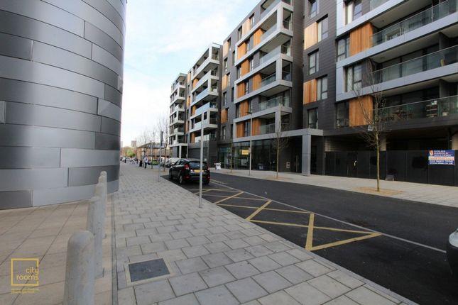 Photo 15 of 8 Lambarde Square, East Greenwich, Maze Hill SE10