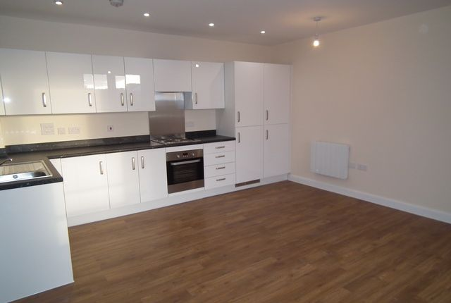 Thumbnail Flat to rent in Ladysmith Road, Harrow Weald