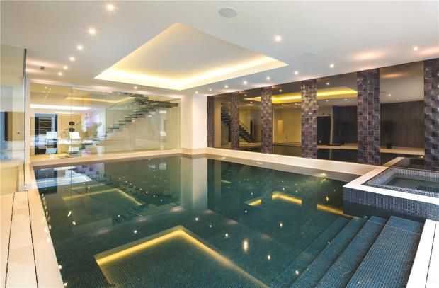Swimming Pool of Fairways, 15 White Lodge Close, Hampstead N2
