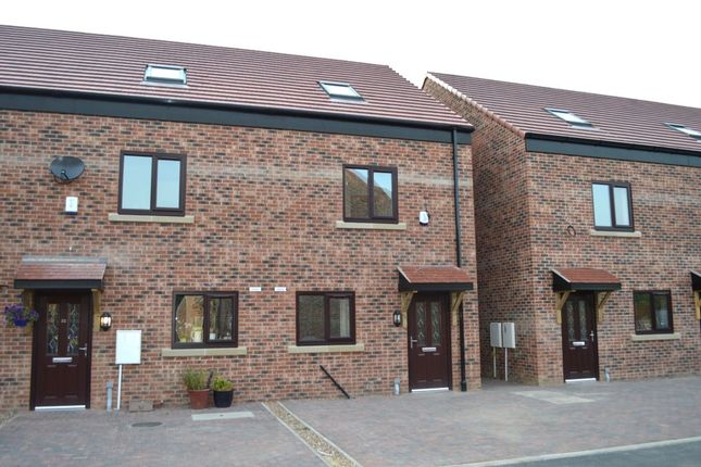 Thumbnail Terraced house to rent in Waterpark View, Kinsley, Pontefract