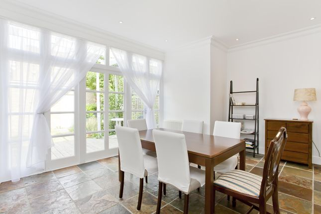 Thumbnail Flat to rent in Hillcroft Crescent, London