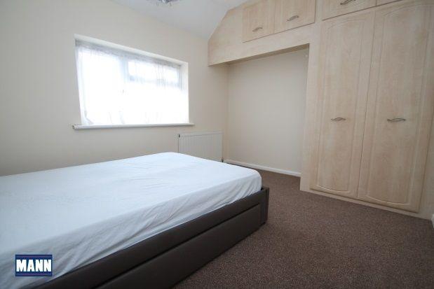 Thumbnail Property to rent in Laburnum Avenue, Dartford