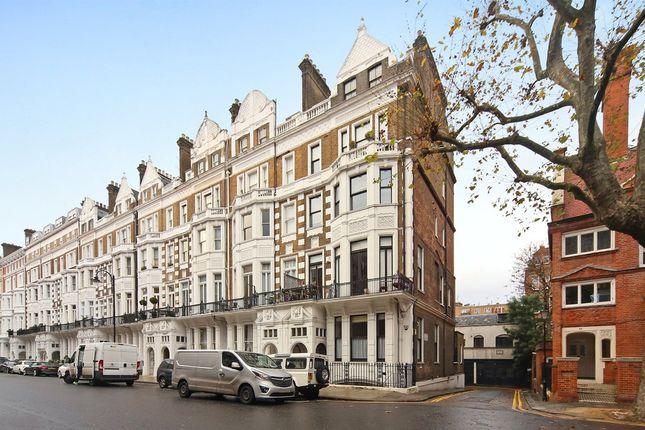 2 bed flat for sale in Harrington Gardens, South Kensington