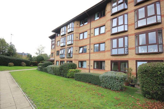 Thumbnail Flat to rent in Restharrow, Lansdowne Gardens, Bournemouth