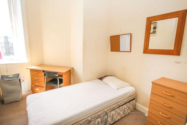 Bedroom Three of Fowler Terrace, Edinburgh EH11