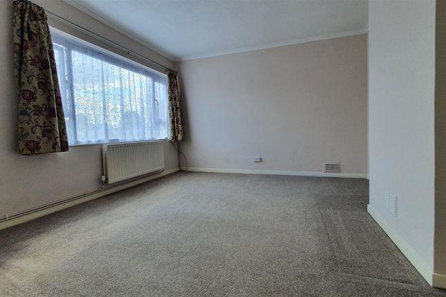 Thumbnail Flat to rent in Hemmen Lane, Hayes